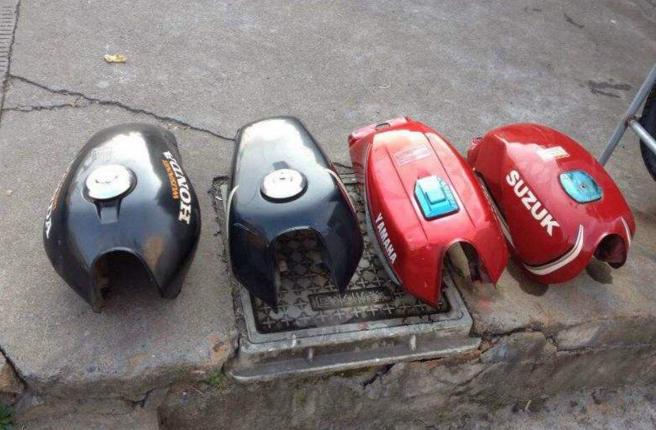 摩托车油箱清洗